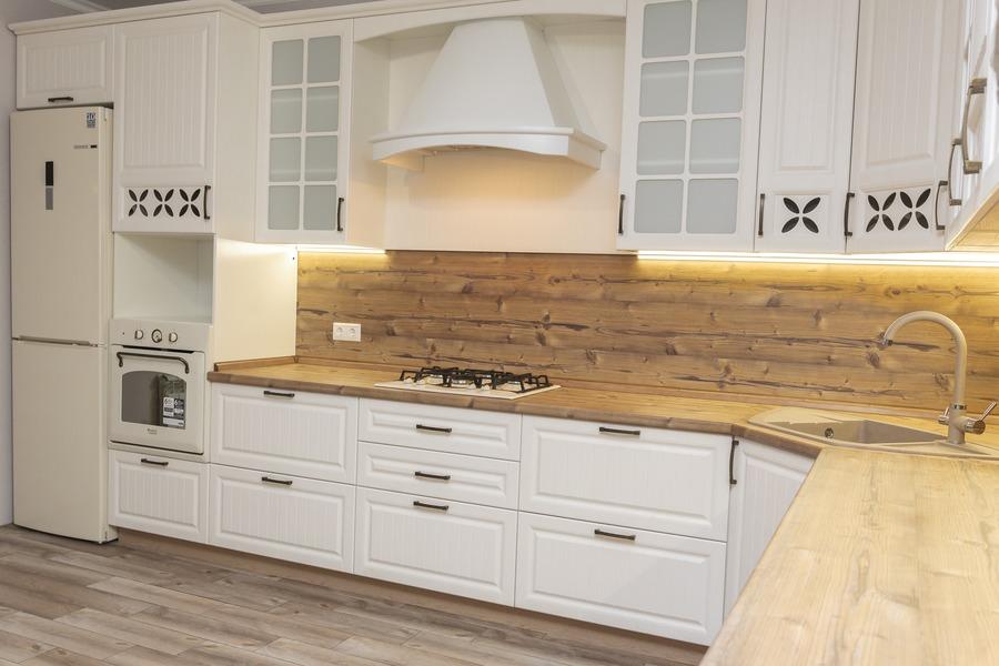 Белый кухонный гарнитур-Кухня МДФ в ПВХ «Модель 10»-фото3
