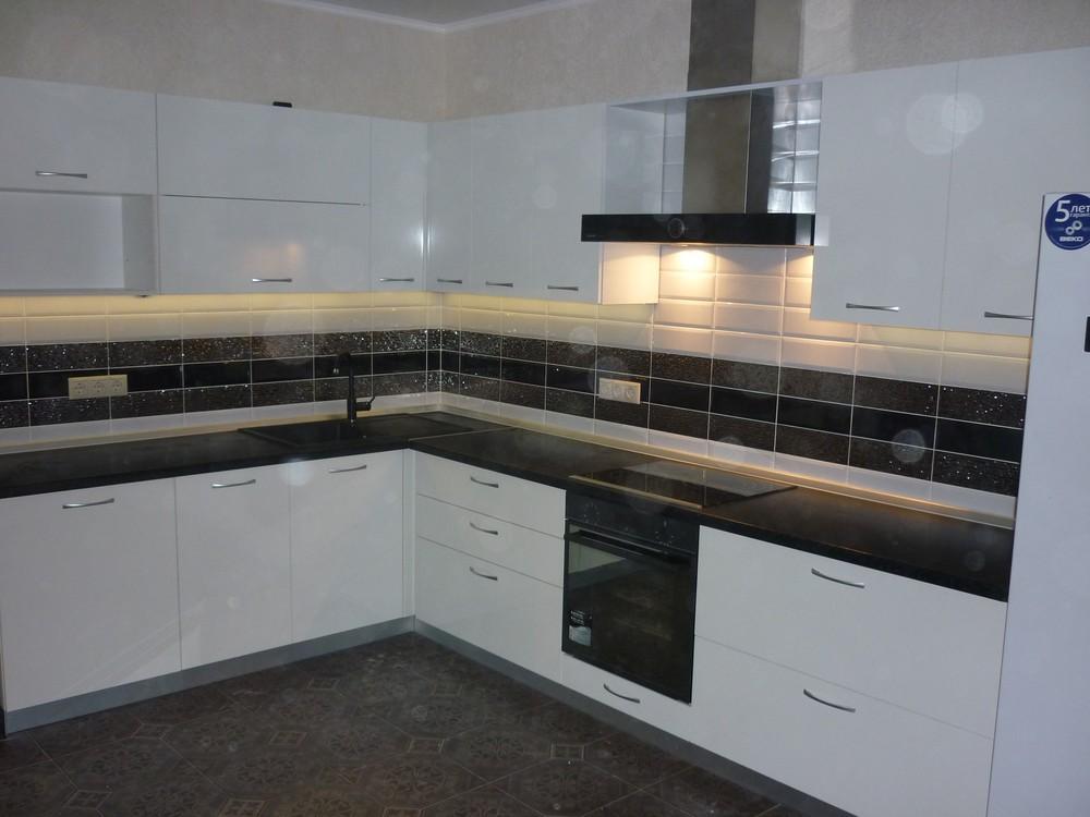 Белый кухонный гарнитур-Кухня МДФ в ПВХ «Модель 304»-фото3
