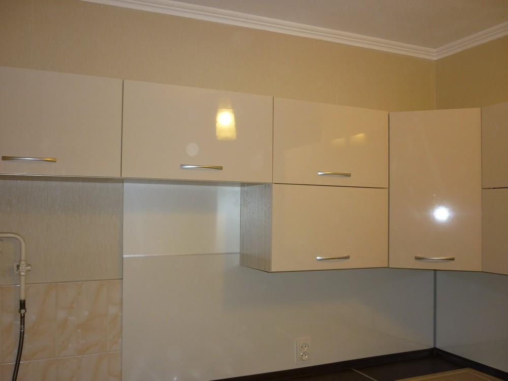 Белый кухонный гарнитур-Кухня МДФ в ПВХ «Модель 208»-фото1