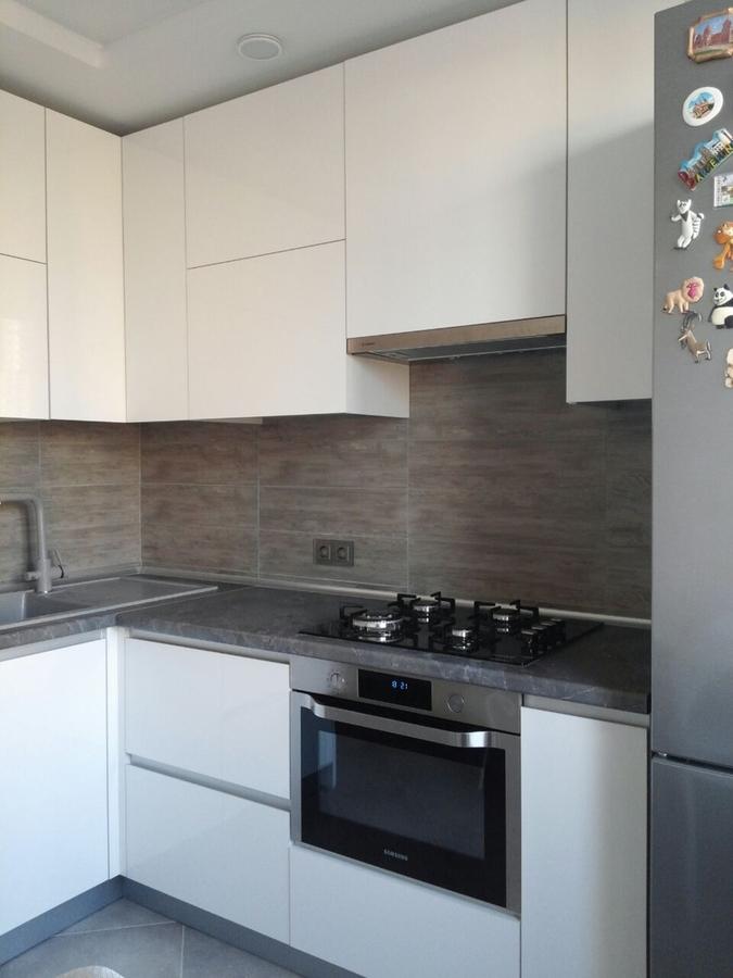Белый кухонный гарнитур-Кухня из пластика «Модель 361»-фото2
