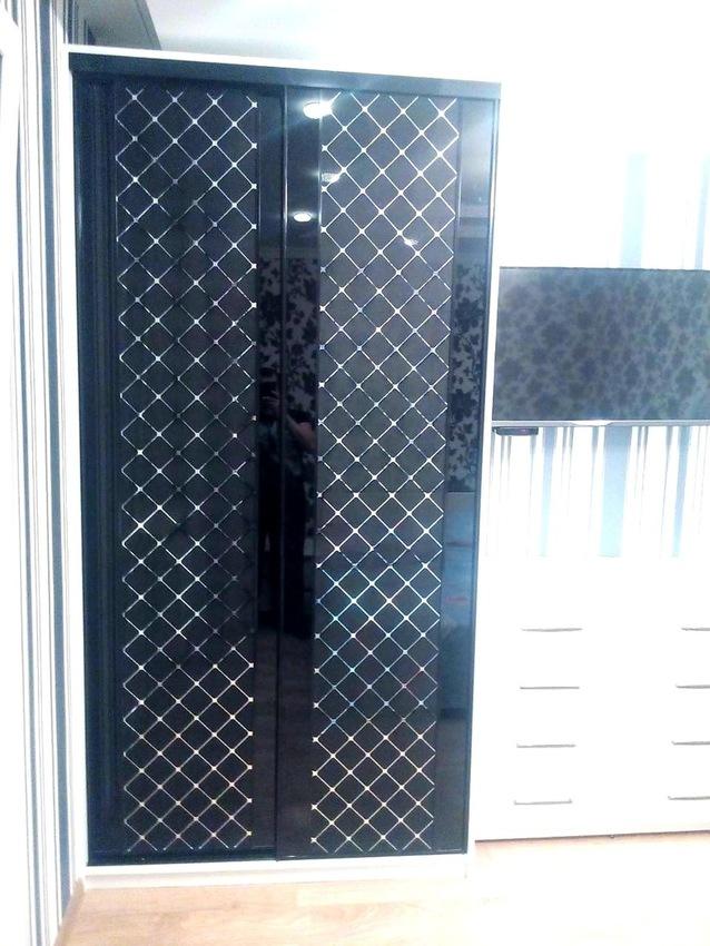 Бельевой шкаф-купе-Шкаф-купе с зеркалом «Модель 285»-фото2