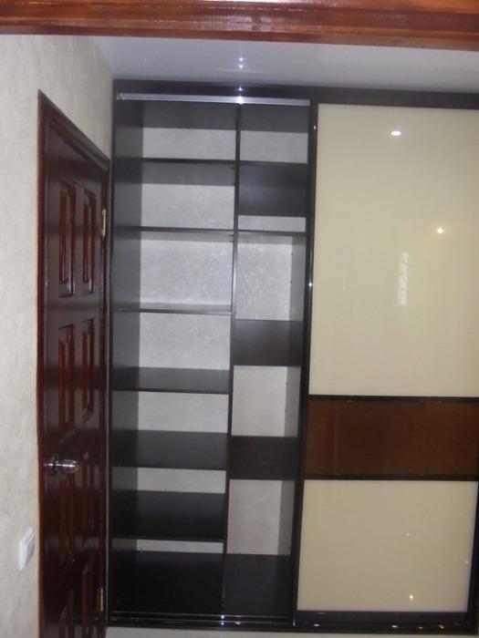 Встроенные шкафы-купе-Шкаф-купе из стекла Лакобель «Модель 60»-фото3